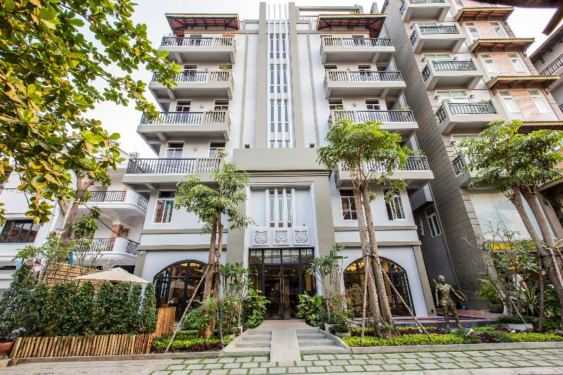 Queen Grand Boutique Hotel - Terrace - 15