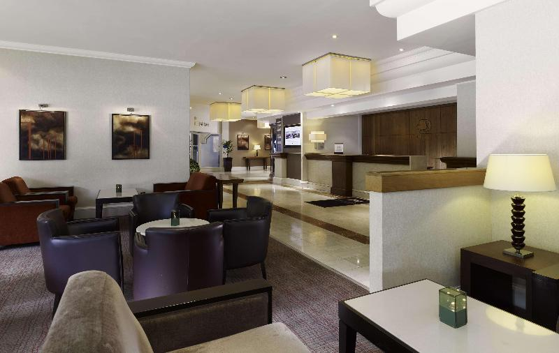 Lobby Doubletree By Hilton Sheffield