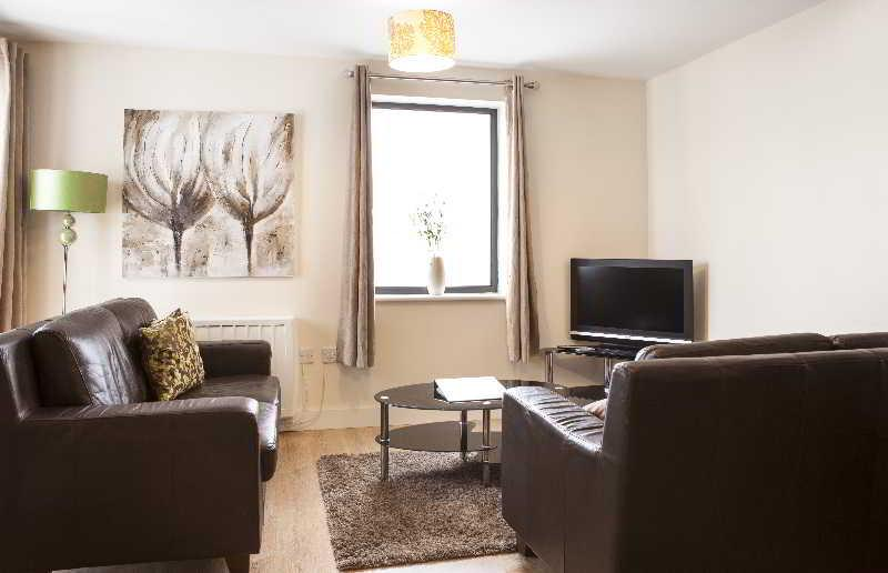 Room Cheltenham Plaza - Bliss Apartments