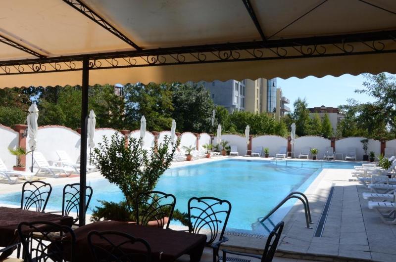 Pool Cantilena