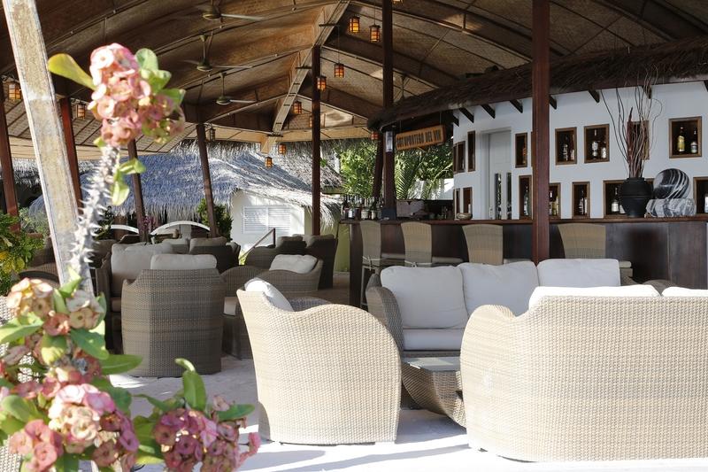 Nika Island Resort - Bar - 3