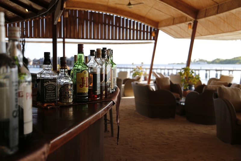 Nika Island Resort - Bar - 14