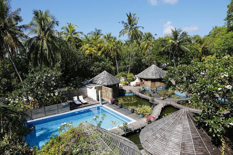 Nika Island Resort - Pool - 2