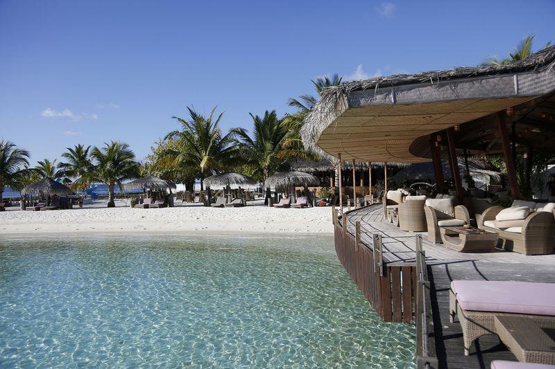 Nika Island Resort - Restaurant - 15