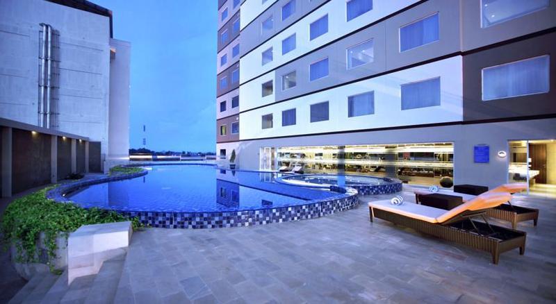 Pool Aston Kupang Hotel & Convention Center