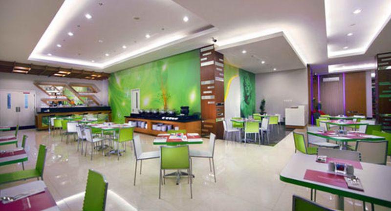 Favehotel Padjajaran Bogor - Pool - 2