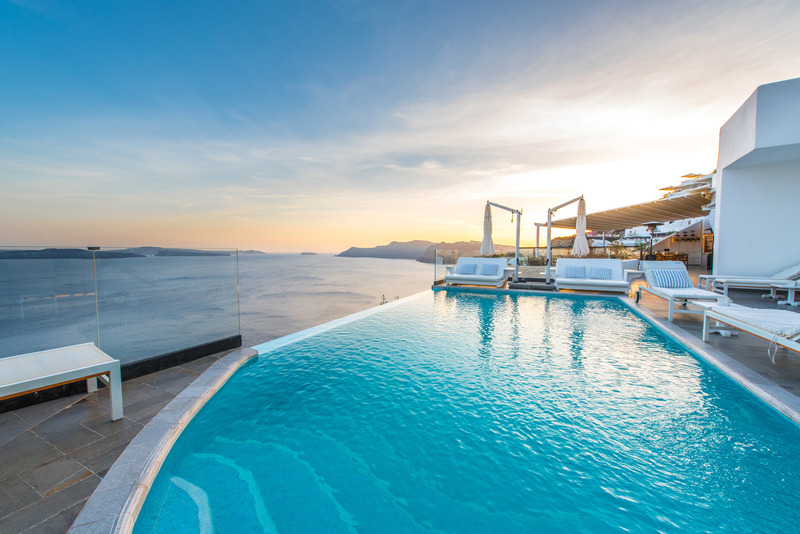 Pool Santorini Secret Suites & Spa