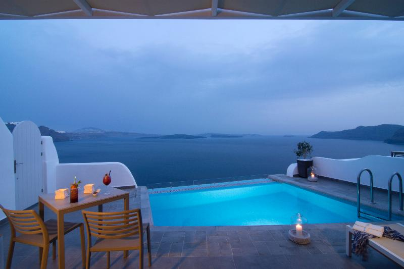 Room Santorini Secret Suites & Spa