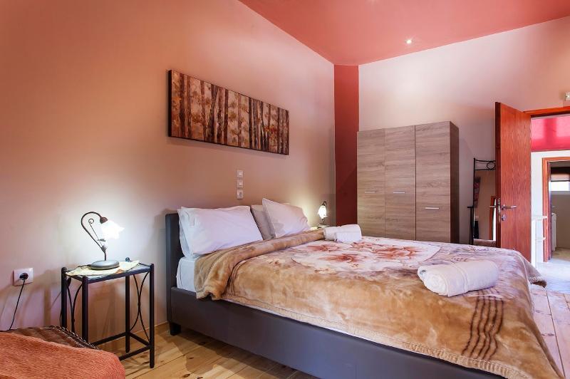 Room Estate Kares