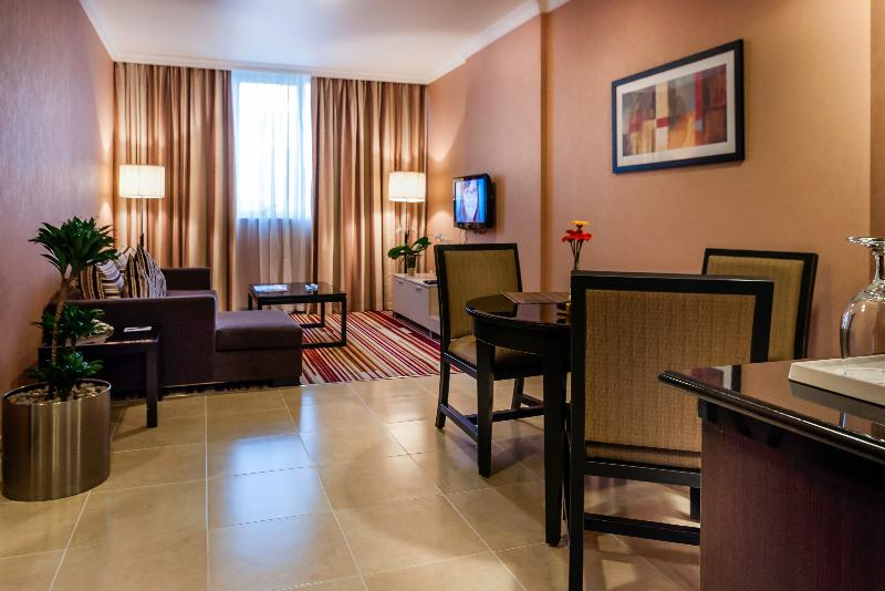 Room Executive Suites By Mourouj Gloria