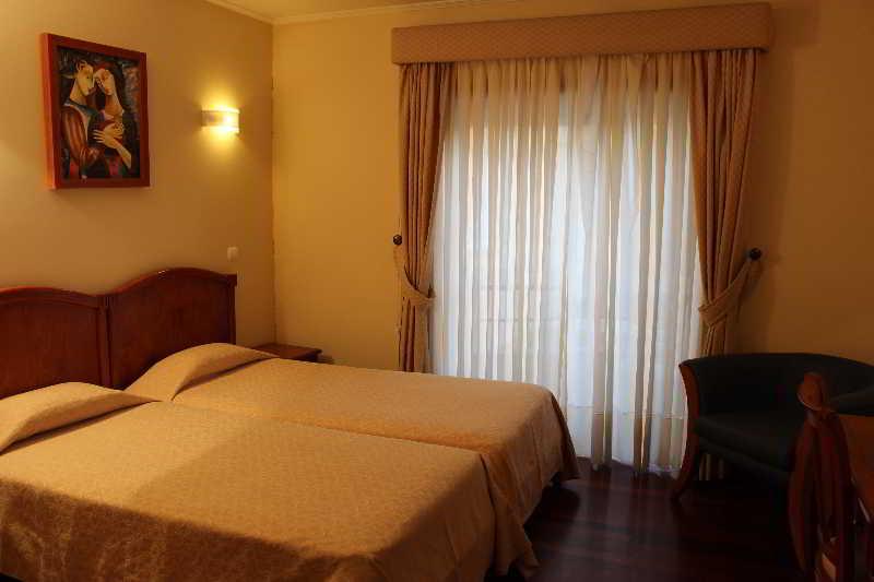 Room Aj