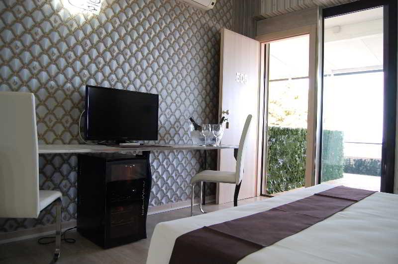 Room Majestic Luxury Hotel Castro