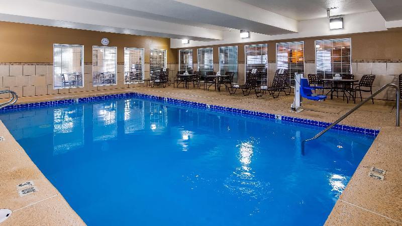 Pool Best Western Plus Pioneer Park Inn