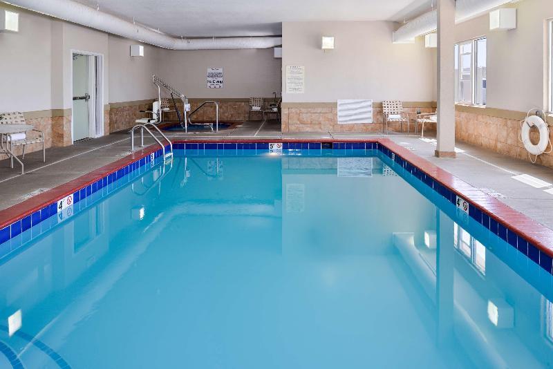 Brighton - Pool - 24