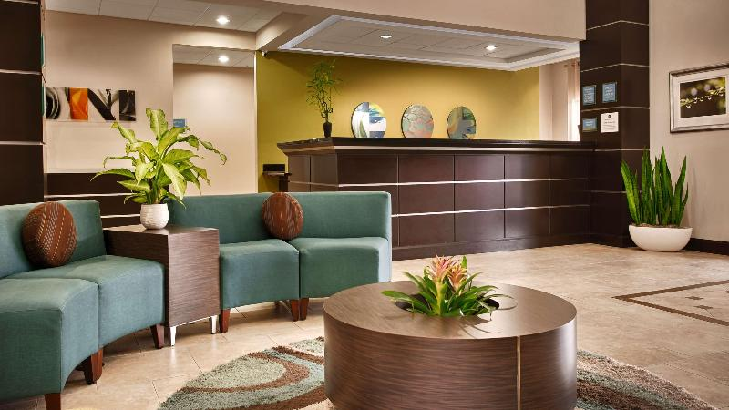Lobby Best Western Plus Jfk Inn & Suites