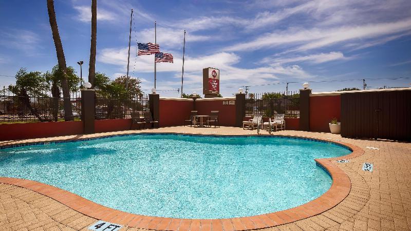 Pool Best Western Plus Edinburg Inn & Suites