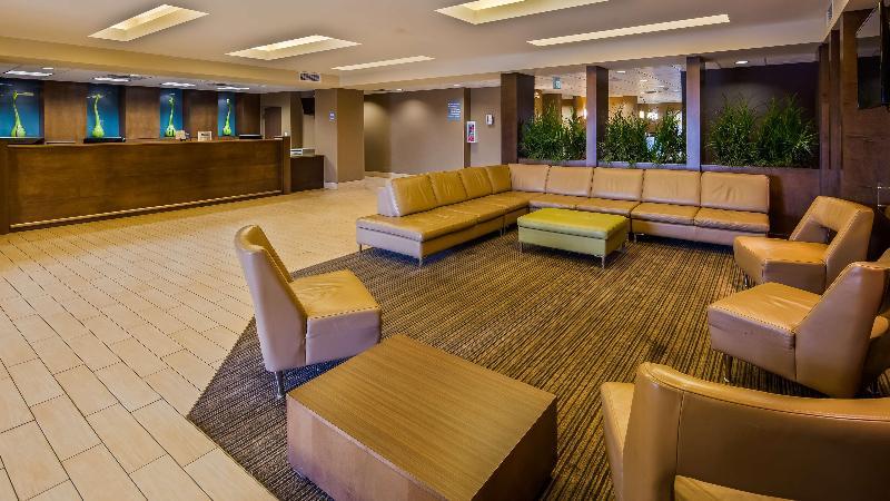 Lobby Best Western Plus Winnipeg West