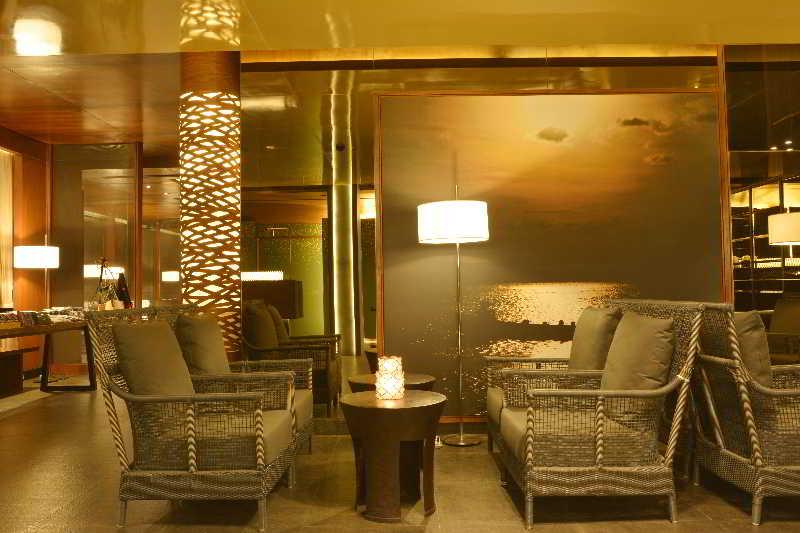 Lobby Emerald Palace Hotel