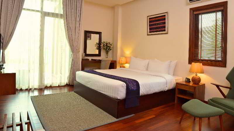 Room Emerald Palace Hotel