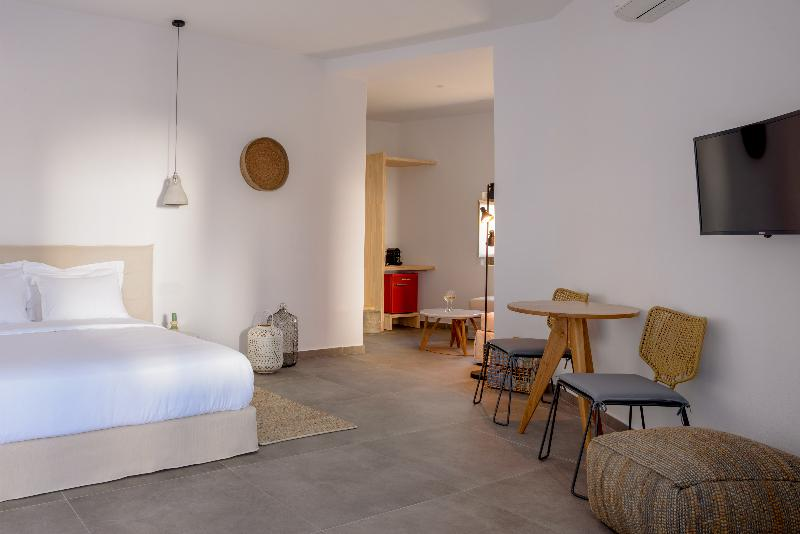Room Earino Suites And Villas