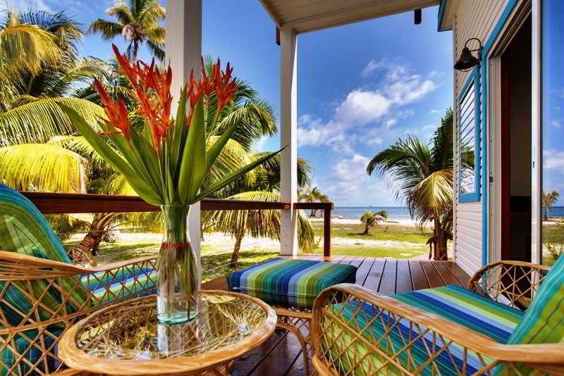 General view Hatchet Caye Resort