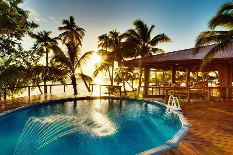 Pool Hatchet Caye Resort