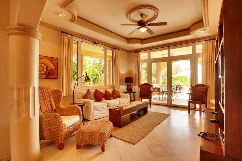 Room Belizean Cove Estates