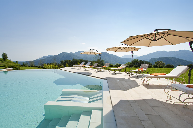 Pool Resort Collina D\'oro