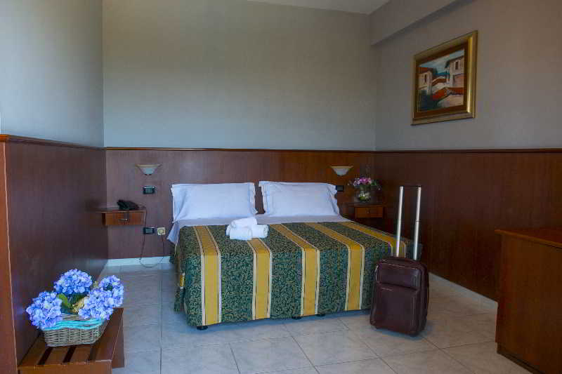 Room Dei Pini