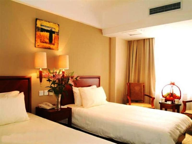 Green Tree Inn Hongqiao Airport Apartment Hotel - Room - 9