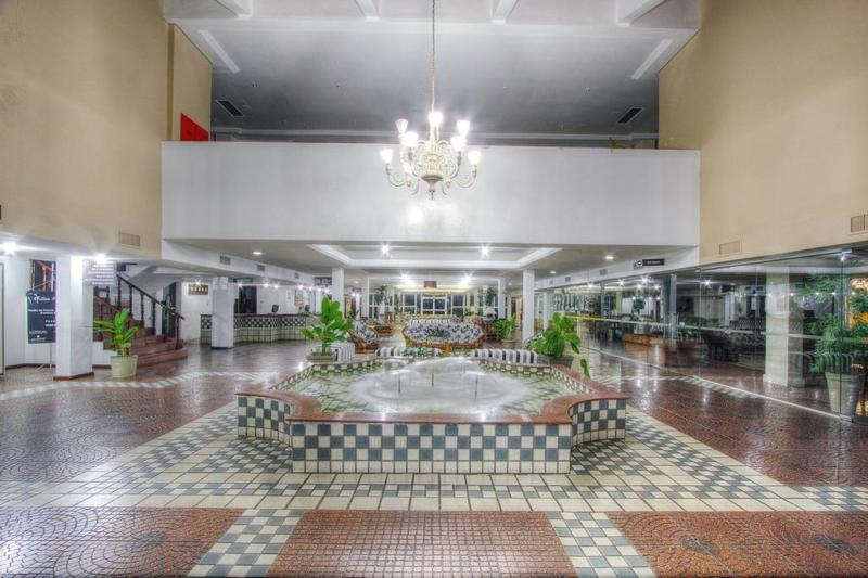 Lobby Camboa Paranagua Hotel