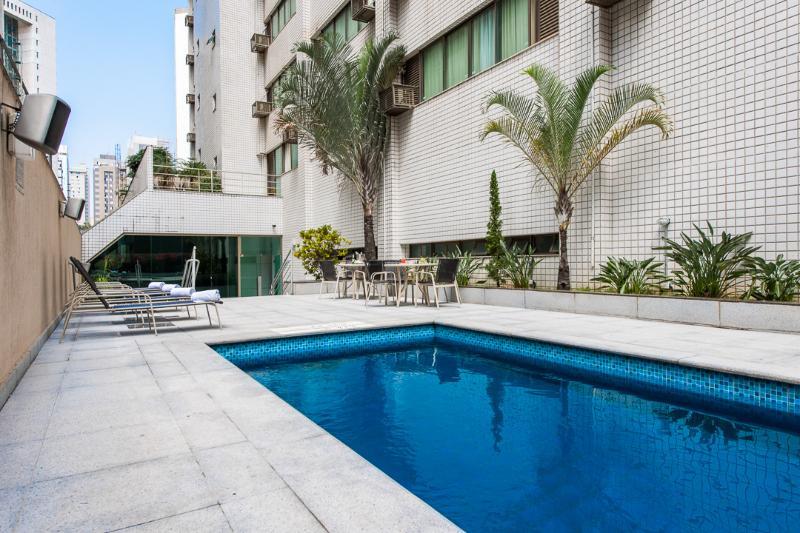 Quality Belo Horizonte Lourdes - Pool - 2