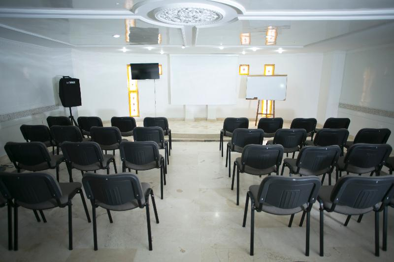 D Leon - Conference - 4