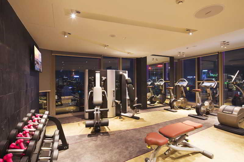 Sports and Entertainment Liberty Central Saigon City Point Hotel