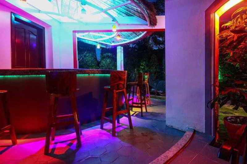 Hang Tep Hotel - Bar - 3