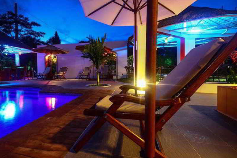 Hang Tep Hotel - Pool - 2