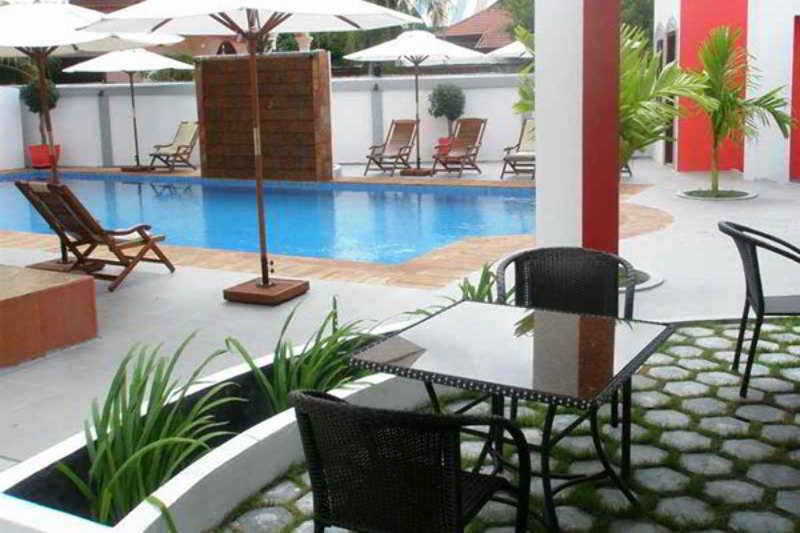 Hang Tep Hotel - Pool - 12