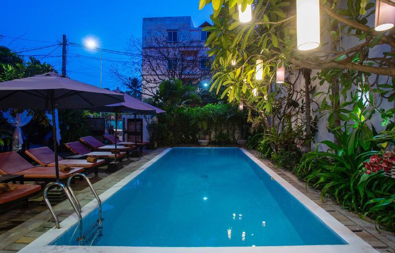 Pool G&z Urban Hotel