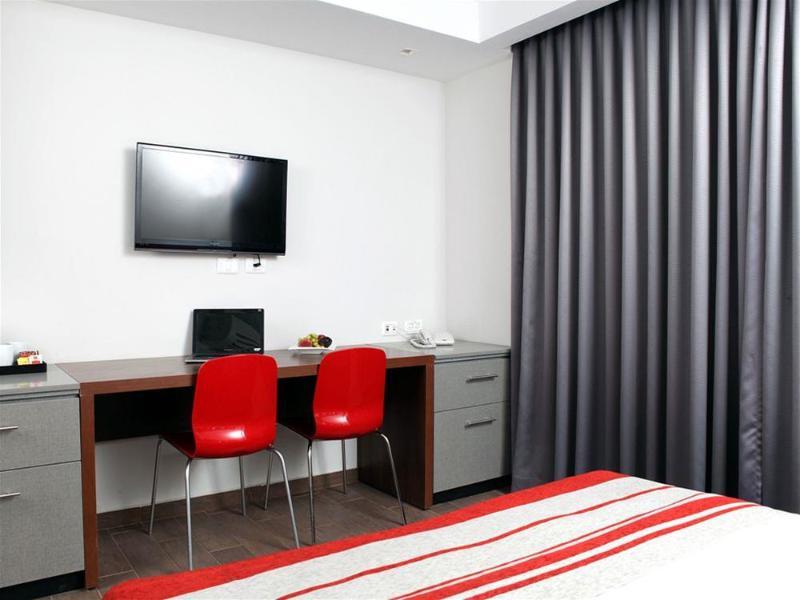 Maris - Room - 1