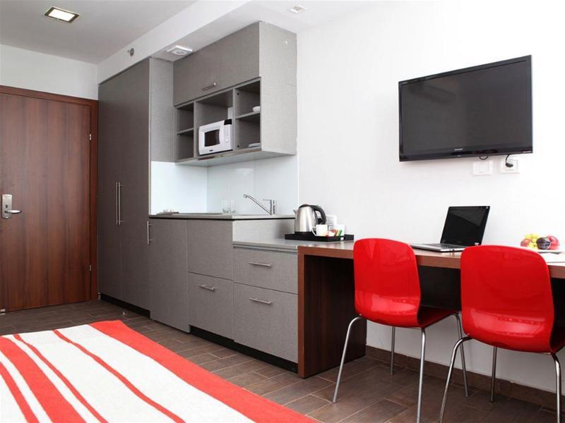Maris - Room - 6
