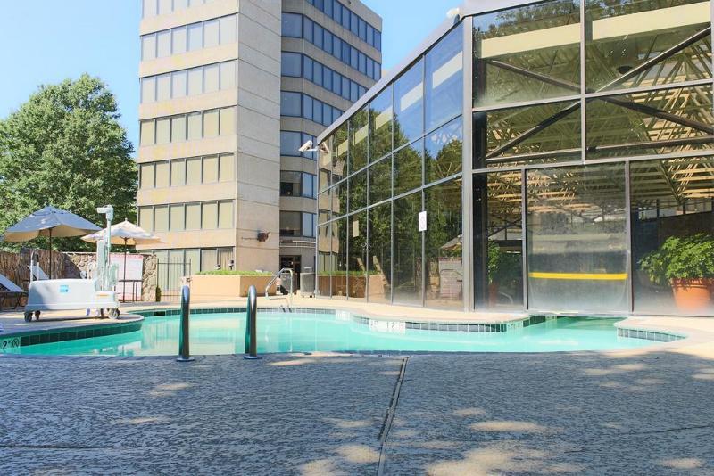 Jansom Beach Resort - Pool - 12