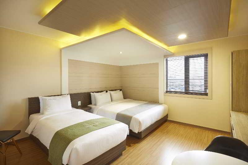 Room Hotel Foret Busan Station