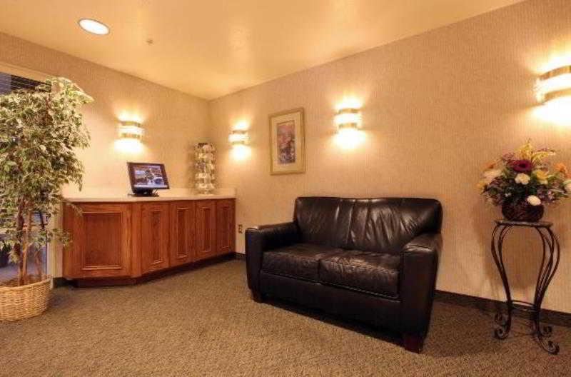 Lobby Americas Best Value Inn Cedar City