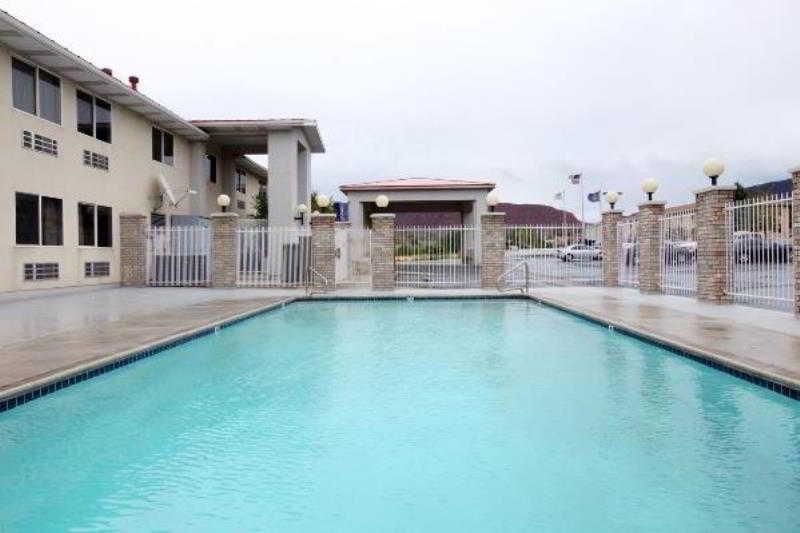 Pool Americas Best Value Inn Cedar City