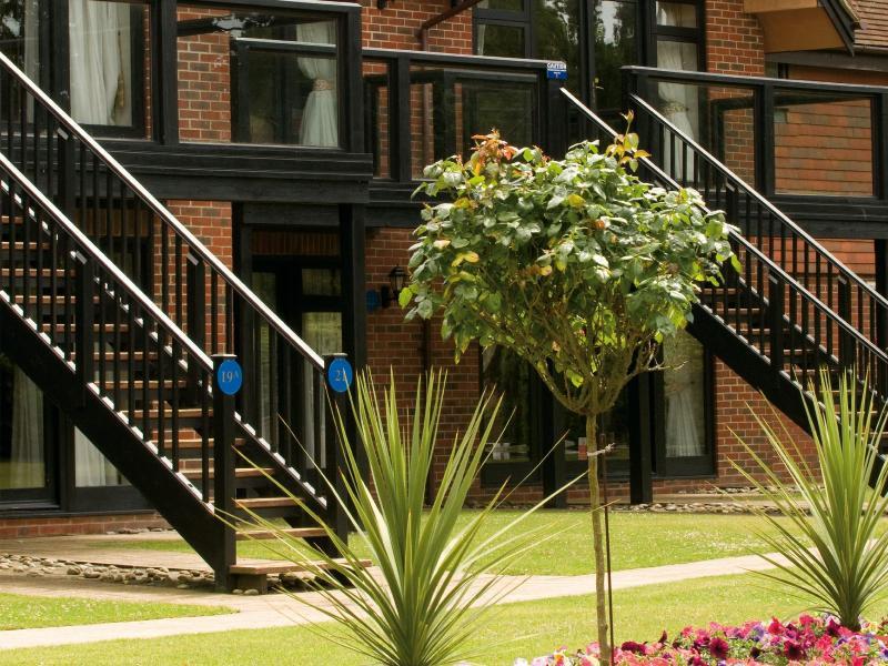 General view Macdonald Elmers Court Resort Apartments