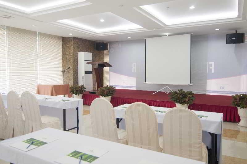 Conferences Liberty Hotel Saigon South