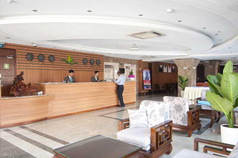 Lobby Liberty Hotel Saigon South