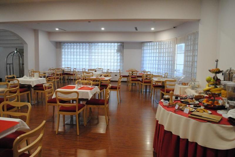 Sky 2 - Restaurant - 2