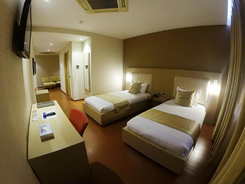 Sky 2 - Room - 6