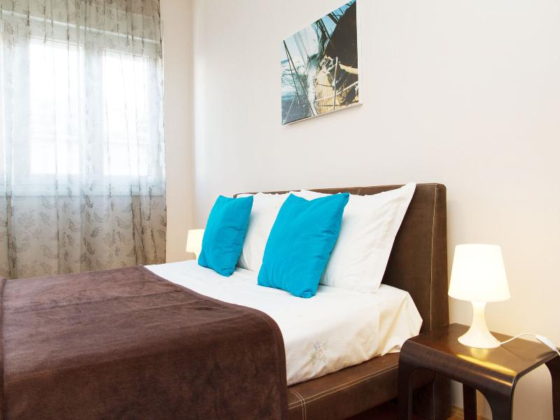 Room One Bedroom Apartment City Wave